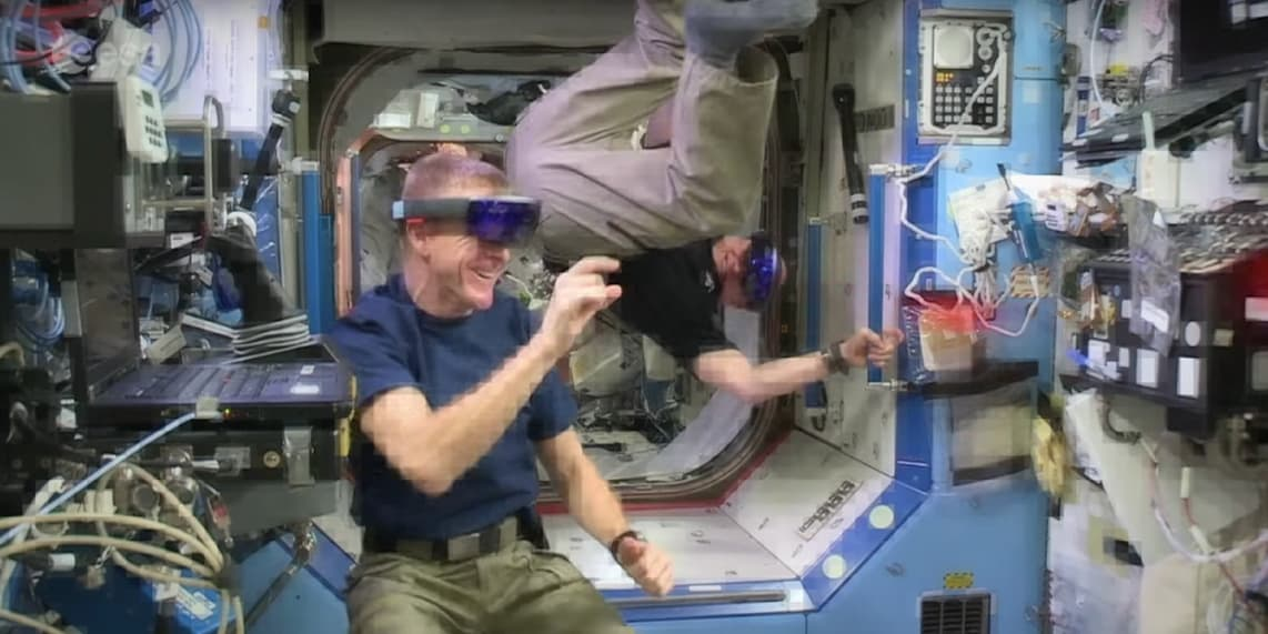 american-astronauts-playing-with-hololens.png